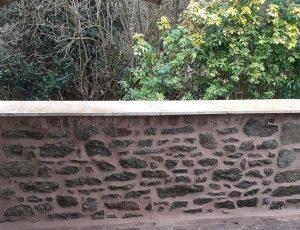 muret en pierre extérieur joint de pierre re jointement rénovation Pommeret Lamballe